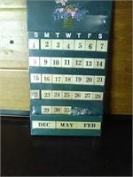Wooden calendar decoration