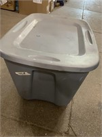 18? Gallon storage tote with lid