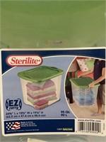 Sterilite 95qt storage tote with lid