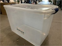 112qt storage tote with lid