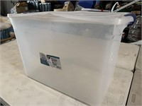 112qt storage tote with lid- lid is a little bent