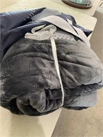 New 15-20lb weighted fleece blanket