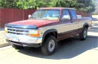 1992 Dodge Dakota PK, 4x4, ext cab, 318 gas eng, 97,858 mi, auto trans w/od, new exhaust, brakes recently serviced - This item will be sold at LIVE auction with ABSENTEE BIDDING available. More info, pics and video can be found in the catalog (see lot 5009).