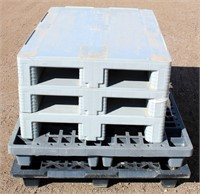 (5) Plastic Pallets