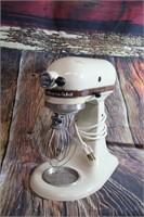 Kitchenaide Mixer