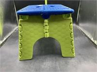 Folding kids step stool