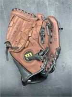 Wilson t-ball glove