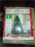 7.5ft non-lit Xmas tree Dinner fir.