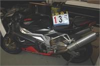 2009 APRILIA RSV 1000 R RACING BIKE