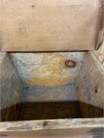 Primitive Pine Dough Box with Dough Board Lid