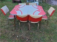 Vintage red and white chrome table & 6 chairs