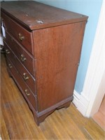 Early Pine Lift-Top Blanket chest,