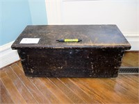 Early pine 6-board dovetailed trunk,