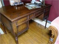 Mahogany Knee hole desk, ca. 1920