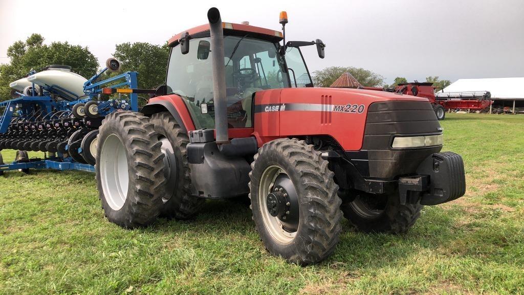 Case IH MX 220 tractor