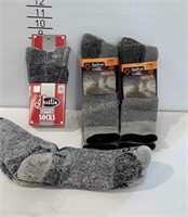 4 pairs of work socks, Justin, Carhartt and Two