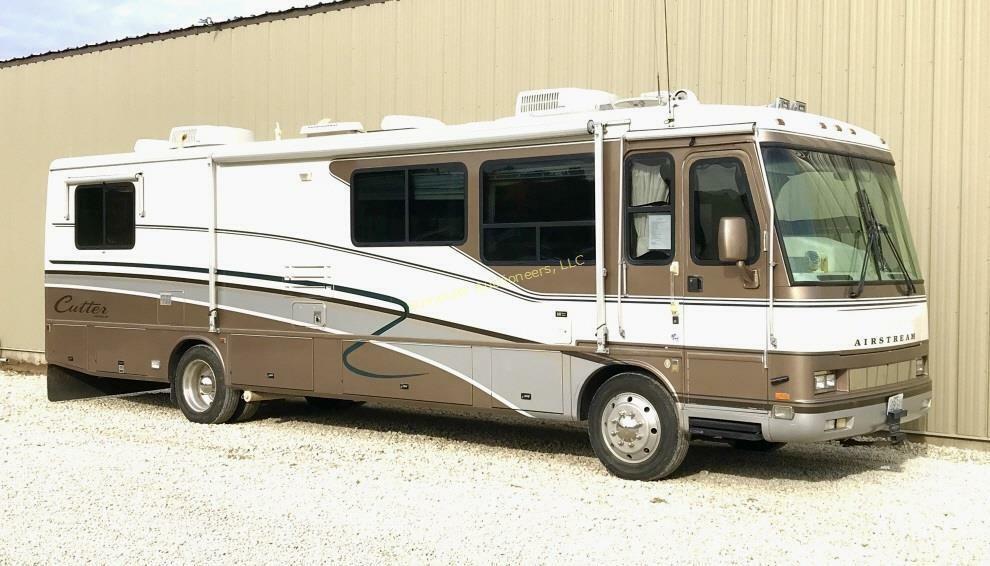 1999 Airstream Cutter 35D motor coach