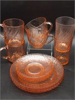 "Arcoroc France Pink Glass Swirl (4) Plates 7.75"","