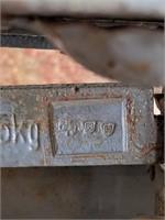 """Antique 5Kg Scale 17"""" x 4"""" x 8"""""""