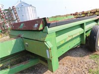 John Deere Hydro Push Model 785 manure spreader