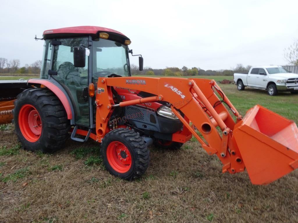 2012 L4240 HST Kubota Tractor w/LA854 Loader