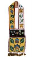 Fine Native American Great Lakes region beaded bandolier bag (c.1900)