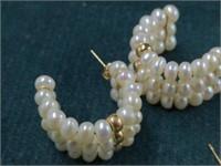 2 Pr. Gold Earrings