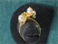 14K Pearl & Peridot Ring