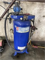 Air compressor, yellow hose not included, buyer
