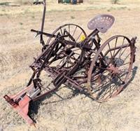 Horse drawn cultivator w/steel wheels