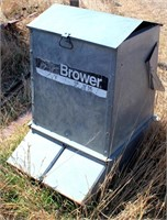 Brower double sided pig feeder