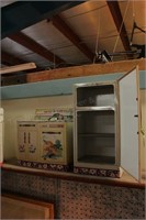 Metal Vintage tin Kitchen Toys