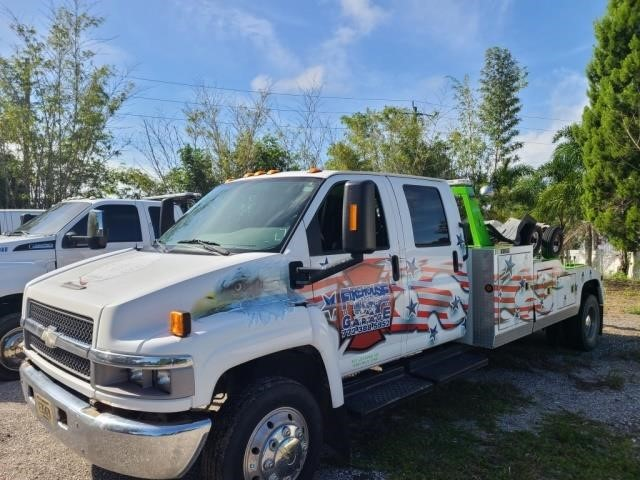 2007 Chevrolet  Tow Truck 59,744 Miles