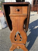 WALNUT VICTORIAN DROP LEAF TABLE WITH DRAWER