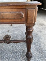 WALNUT VICTORIAN LEATHER TOP 1 DRAWER STAND