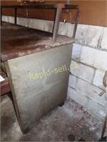 "8' Work Bench & 6"" Anvil Vise"
