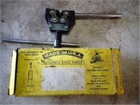 Chain Breaker & Pipe Vise