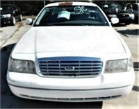 64000 - 2001 Ford Crown Vic, 113777 miles