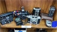 Holoweski Antique Auction