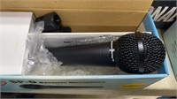 2 Nady Sp-5 Dynamic Microphones & Stand Untested