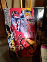 NASCAR Track (unknown completion), Decor,
