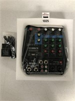 PROFESSIONAL 4-CHANNEL MIXING CONSOLE AUX PATHS
