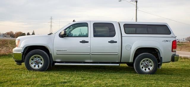 2010 GMC Sierra 4 x 4 Truck