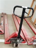Building Contractors Equip, Hardware & Timber Stock Sale