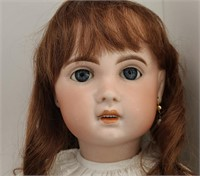 McHugh's Doll, Toy & Holiday Online Auction