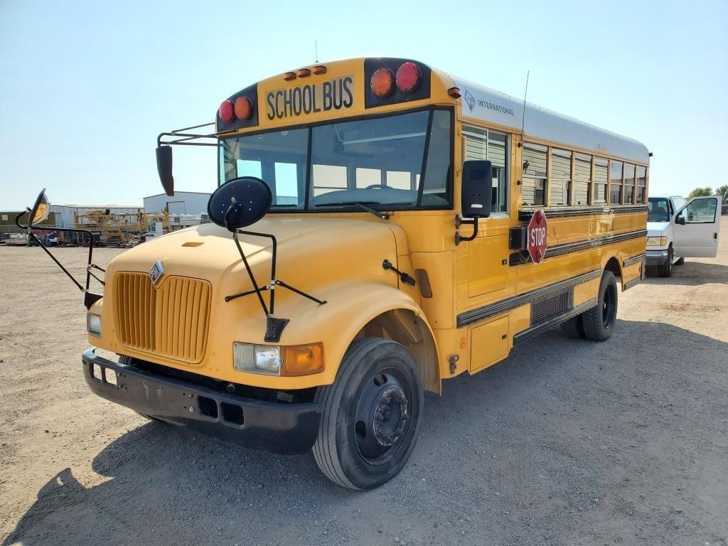 2002 International 26 Passenger School Bus