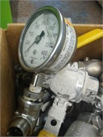 Lot of industrial valves and gadges