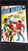 Vintage DC teen Titans comic book number 28