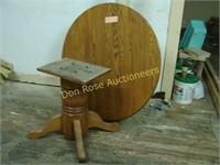 "Round Oak Table - 48"""