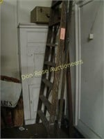 Large Ladder (10 ft.), Boxed Record Player